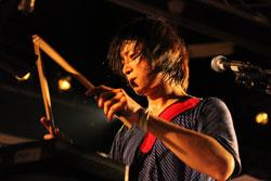 DRUM TRINITY 福岡 講師 アヒトイナザワ